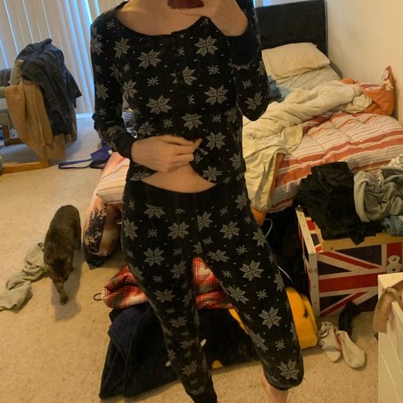 💕Joe Fresh pyjama snowflake set